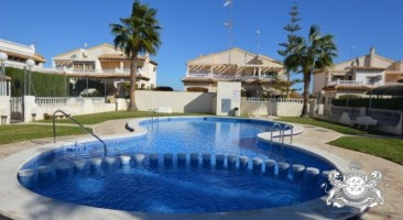 Bungalow en Playa Flamenca 211-0024